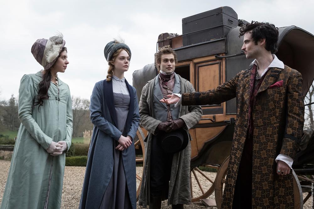 Mary Shelley: Elle Fanning, Douglas Booth, Tom Sturridge e Bel Powley in una scena del film