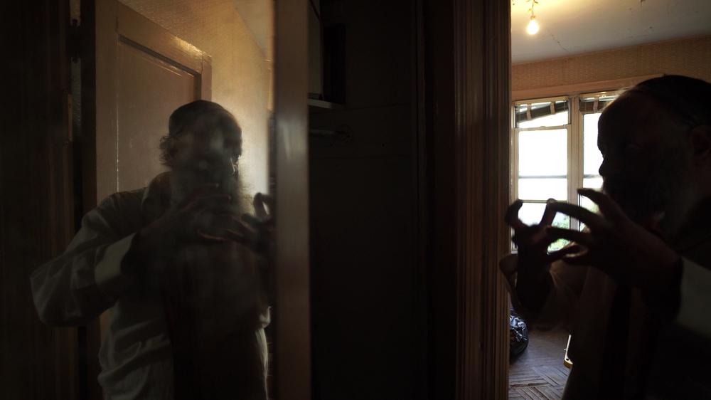 La Poltrona Del Papa.La Poltrona Del Padre Un Immagine Del Documentario 462737