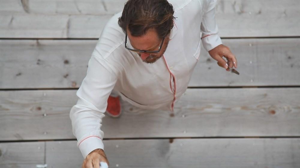 L'arte viva di Julian Schnabel: un'immagine dall'alto di Schnabel