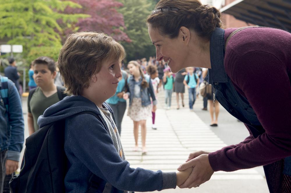 Wonder: Jacob Tremblay e Julia Roberts in un momento del film