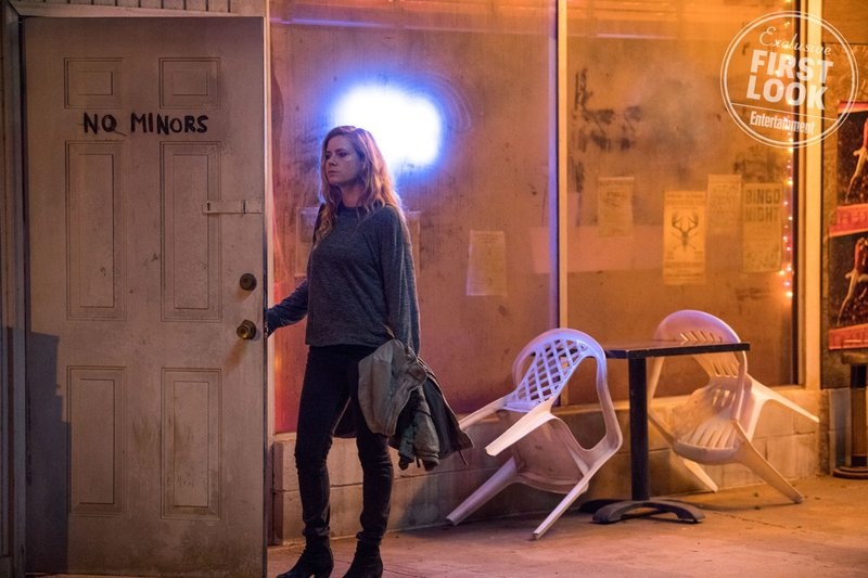 Sharp Objects: Amy Adams in una foto della serie
