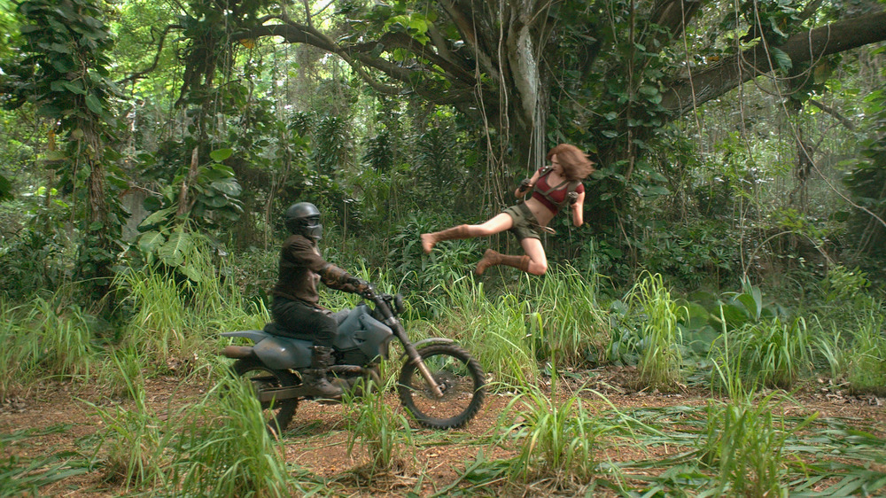 Jumanji - Benvenuti nella giungla: Karen Gillan in una scena del film