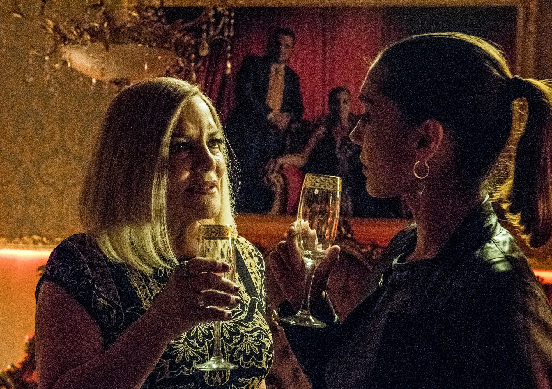 Gomorra - La Serie: Cristiana Dell'Anna con Cristina Donadio nel decimo episodio