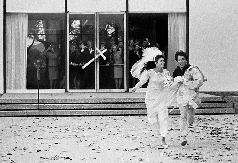 Il laureato: Dustin Hoffman e Katharine Ross in un'immagine dal set del film