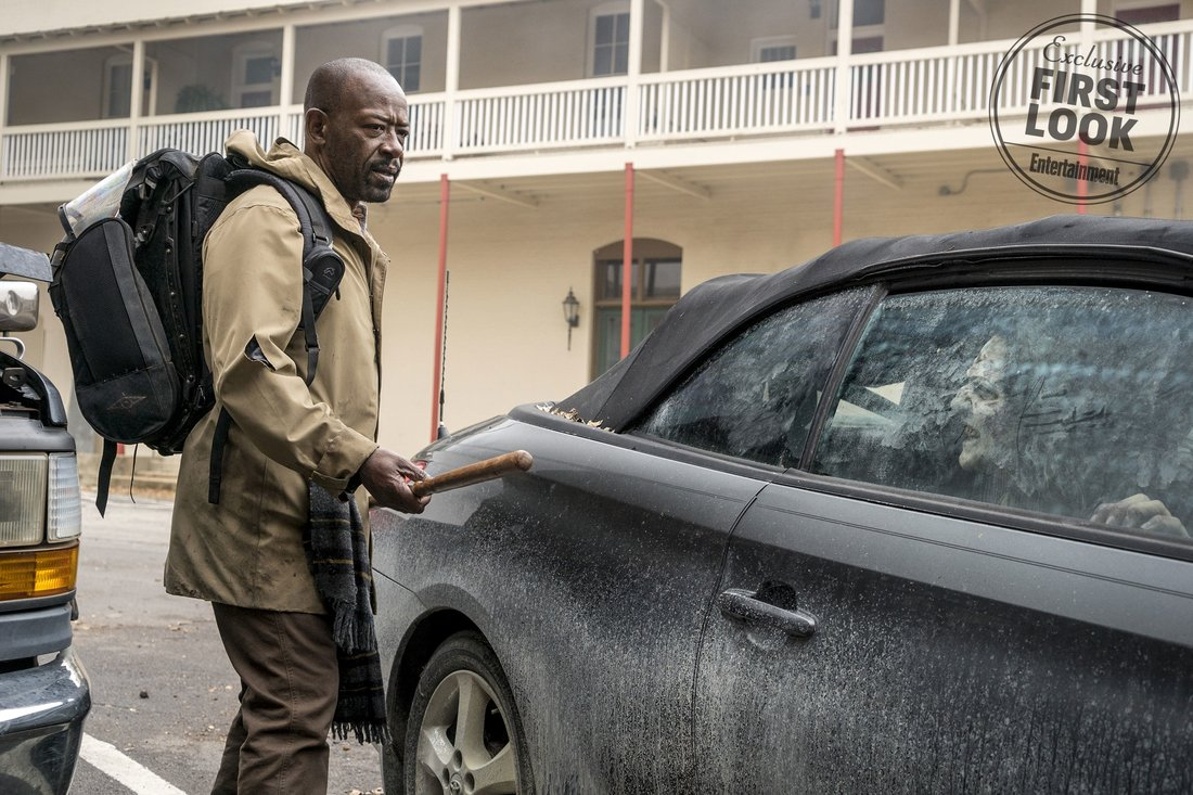 Fear the Walking Dead: Lennie James in una foto del crossover