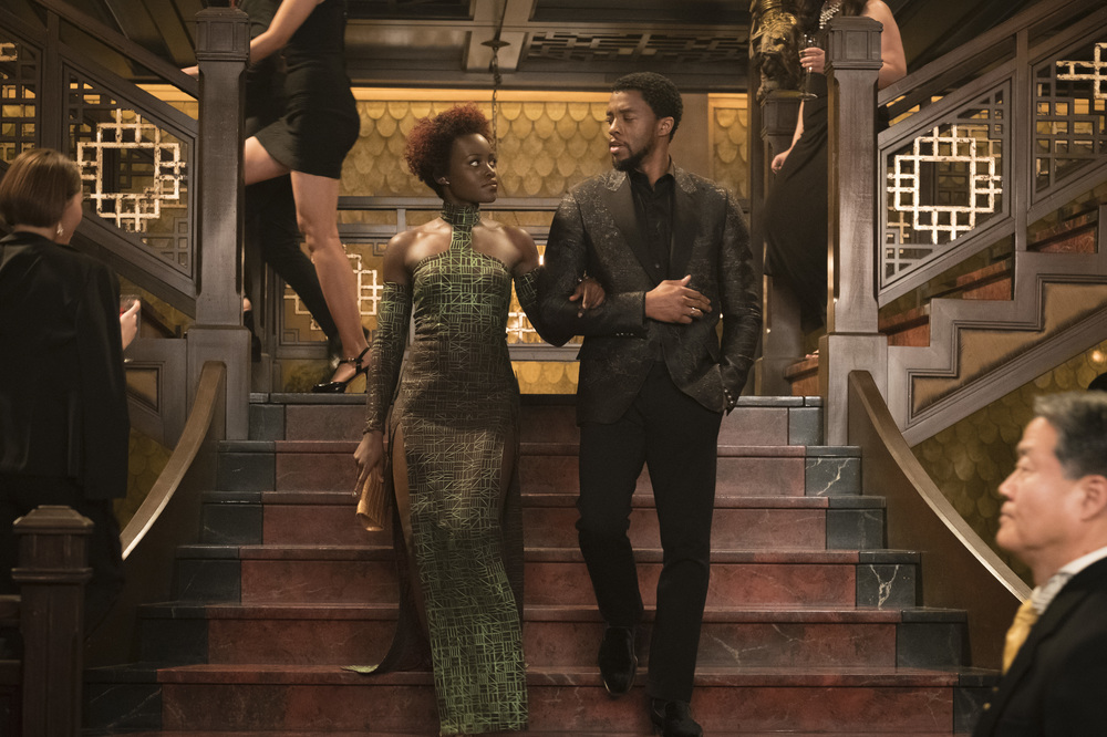 Black Panther: un'immagine di Lupita Nyong'O e Chadwick Boseman