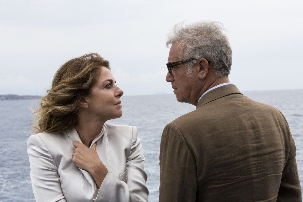 A casa tutti bene: Massimo Ghini e Claudia Gerini in una scena del film