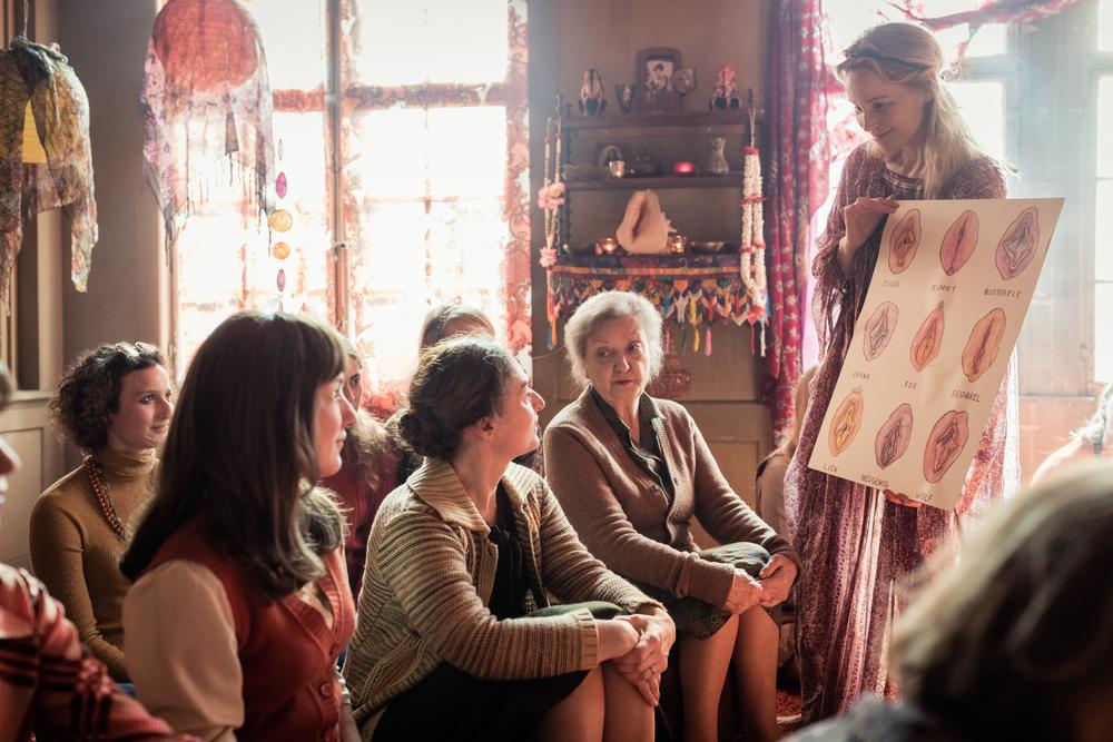 Contro l'ordine divino: Sibylle Brunner, Marie Leuenberger e Rachel Braunschweig in una scena del film
