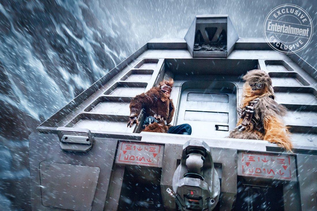 Solo: A Star Wars Story, Han e Chewie in una scena d'azione