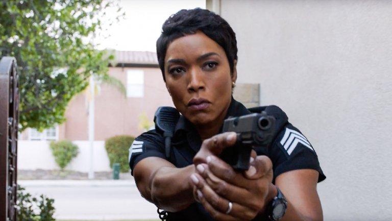 9-1-1: Angela Bassett in una foto della serie