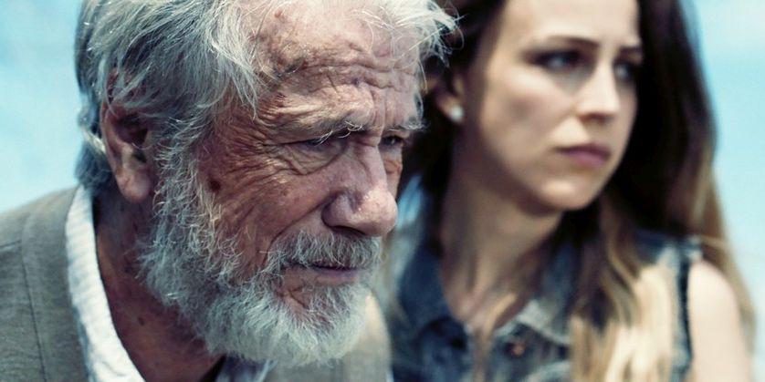 L'ultimo viaggio: Petra Schmidt-Schaller e Jürgen Prochnow in una scena del film