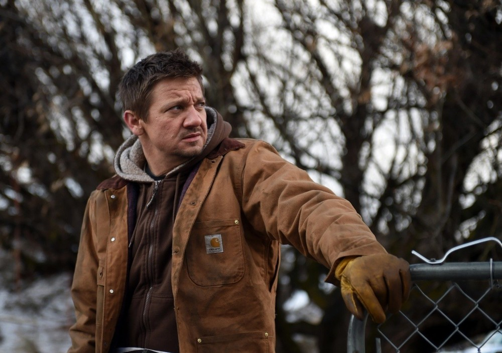 I segreti di Wind River: Jeremy Renner in una scena del film