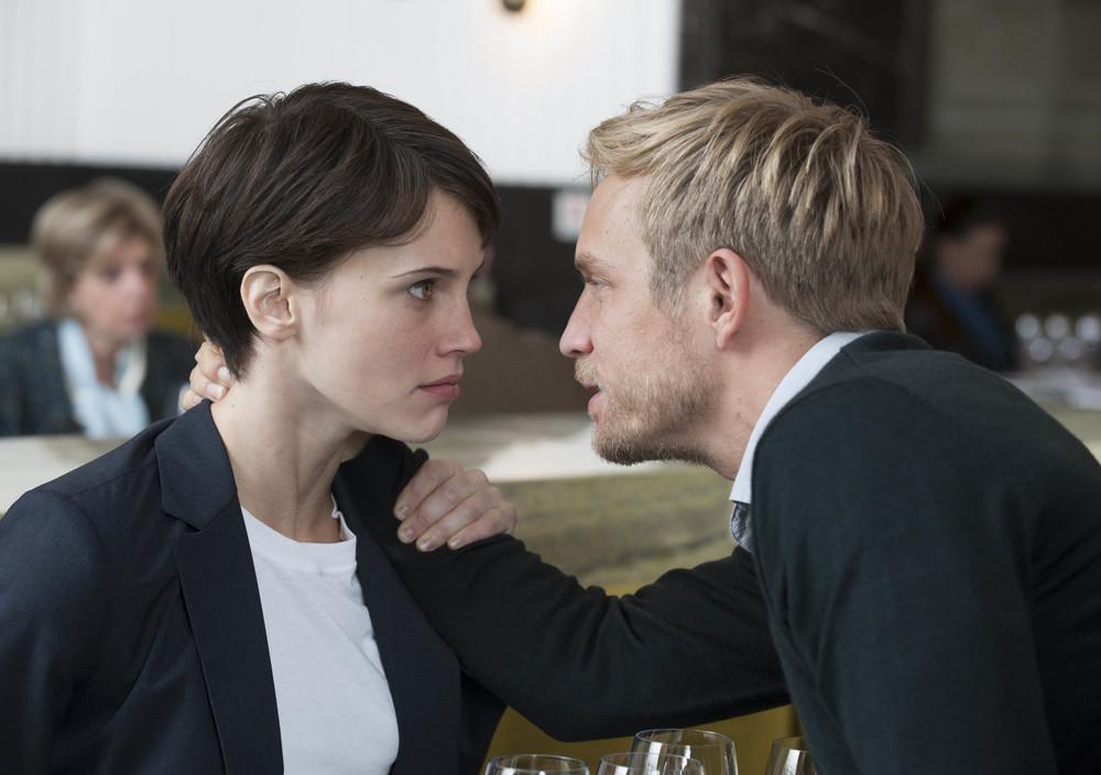 Doppio amore: Marine Vacth e Jérémie Rénier in una scena del film
