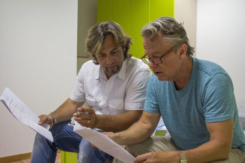 Sotto il segno della vittoria: John Savage e il regista Modestino Di Nenna sul set del film