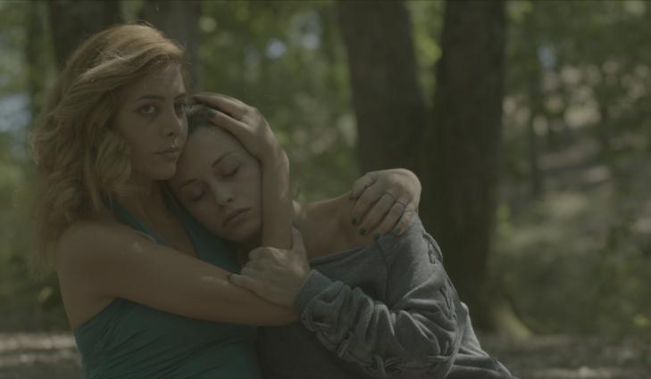 Le grida del silenzio: Manuela Zero e Alice Bellagamba in una scena del film