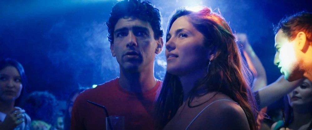 Mektoub, My Love: Canto Uno, Ophelie Bau e Salim Kechiouche in una scena del film