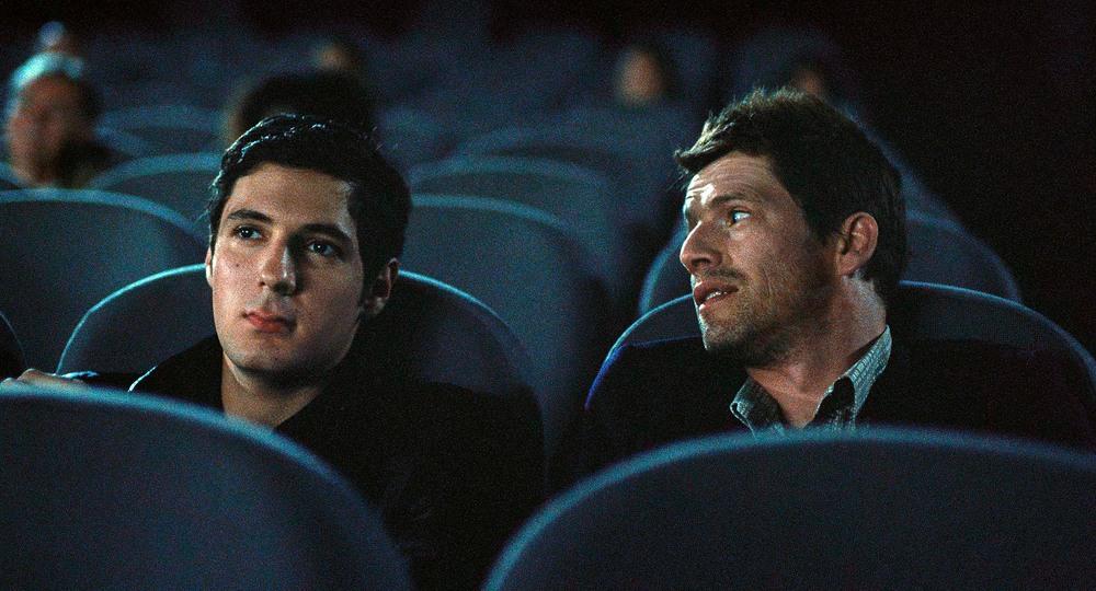 Sorry Angel: Vincent Lacoste e Pierre Deladonchamps in un momento del film
