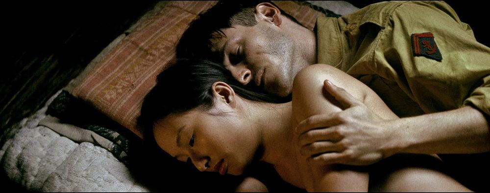 To the Ends of the World: Gaspard Ulliel e Lang Khe Tran in una scena del film