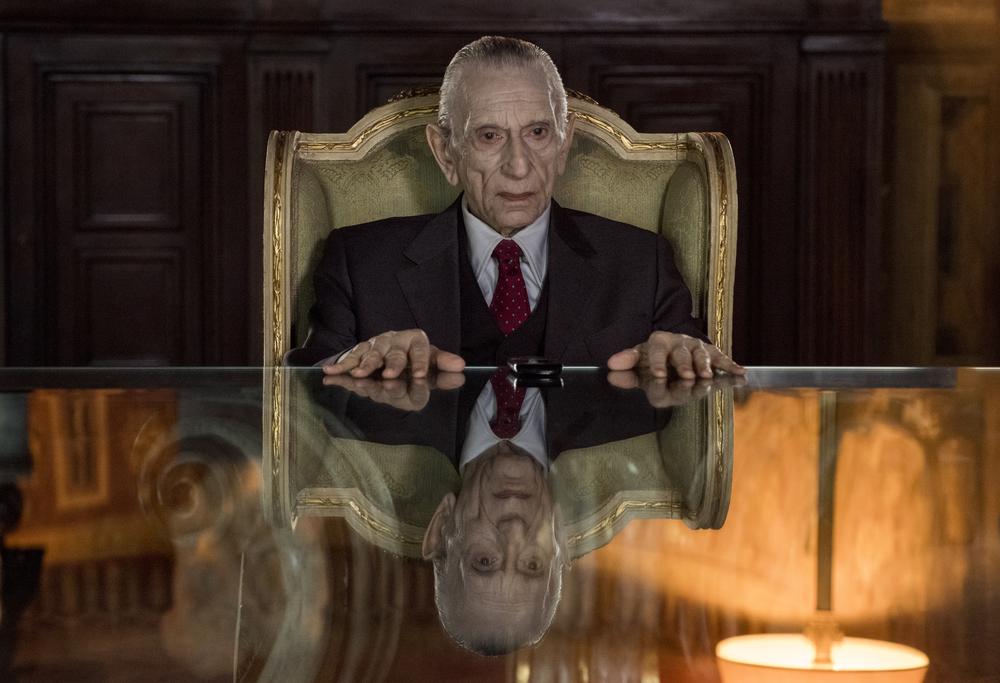 Loro 2: Roberto Herlitzka in una scena del film