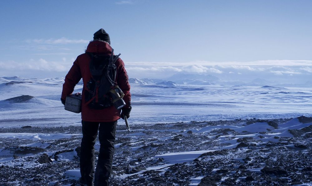 Arctic: Mads Mikkelsen in un momento del film