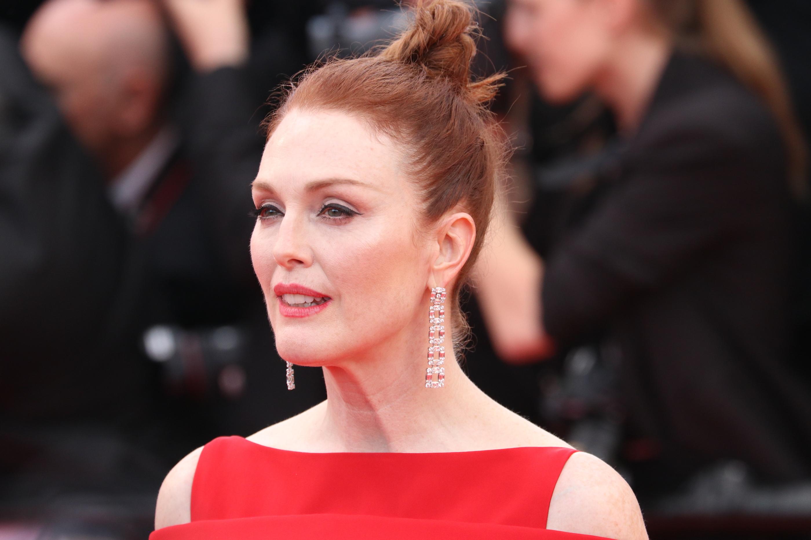 Cannes 2018: Julianne Moore sul red carpet di apertura