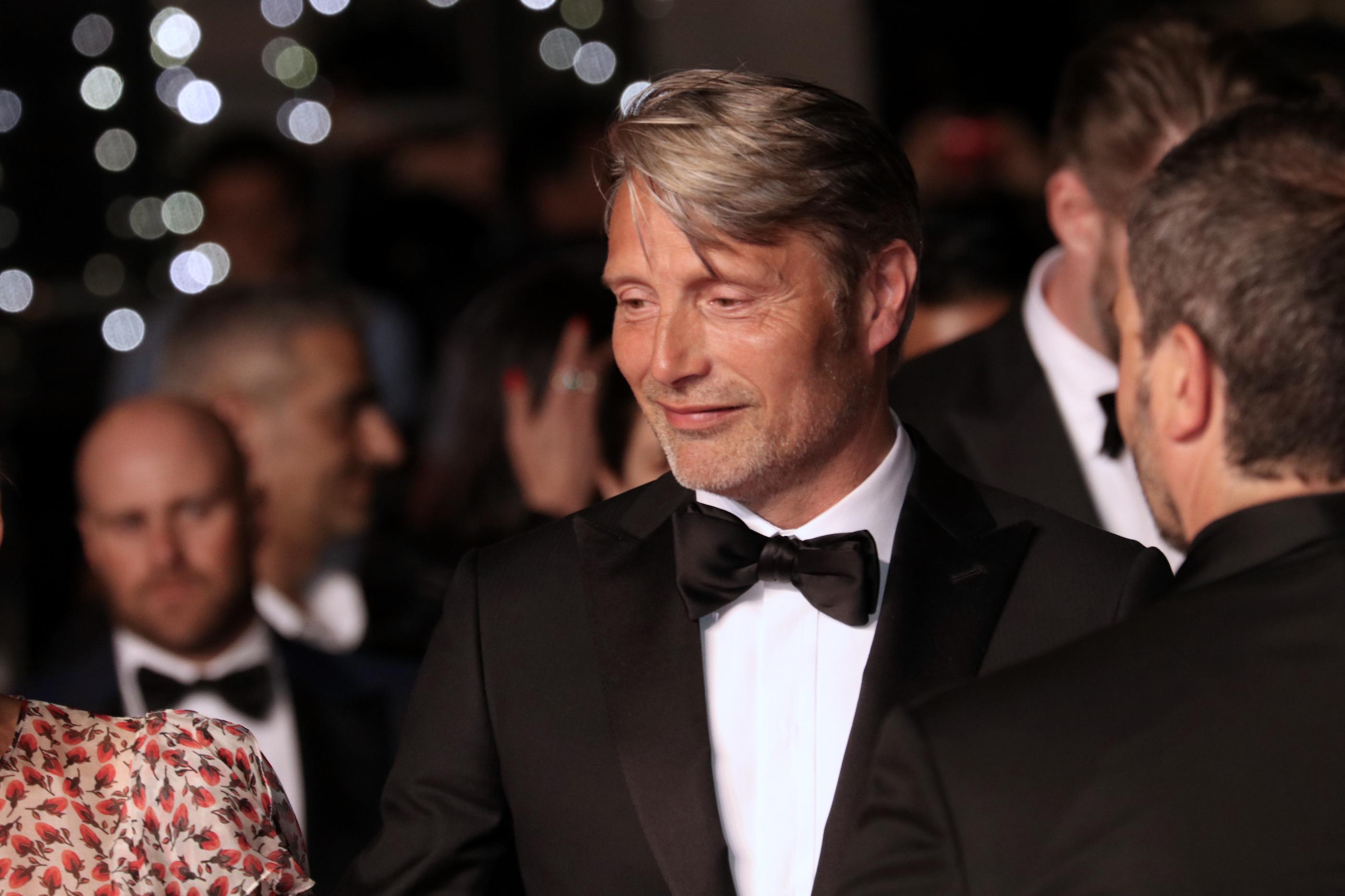 Cannes 2018: Mads Mikkelsen sul red carpet di Arctic