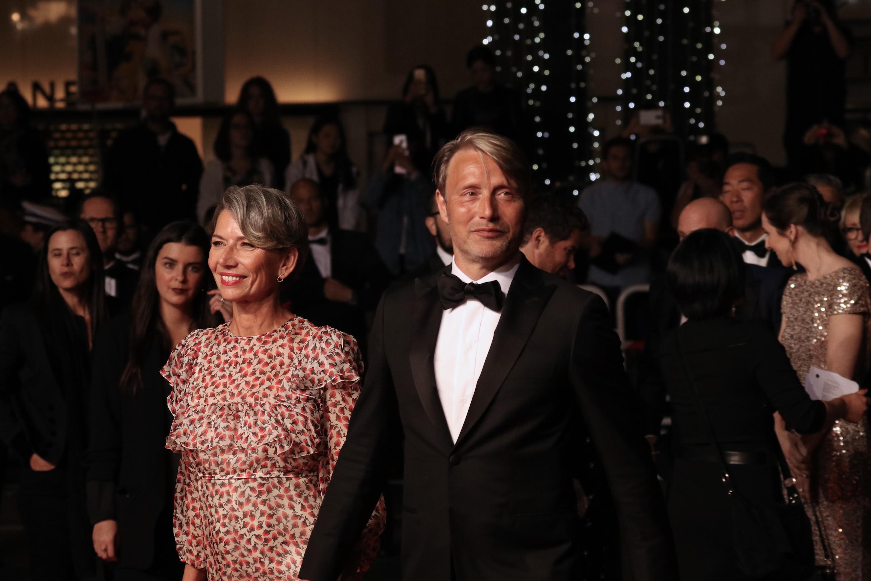 Cannes 2018: Mads Mikkelsen arriva sul red carpet di Arctic