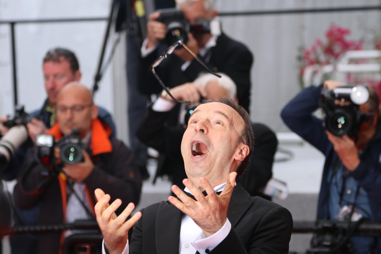 Cannes 2018: Roberto Benigni scherza sul red carpet di Lazzaro Felice