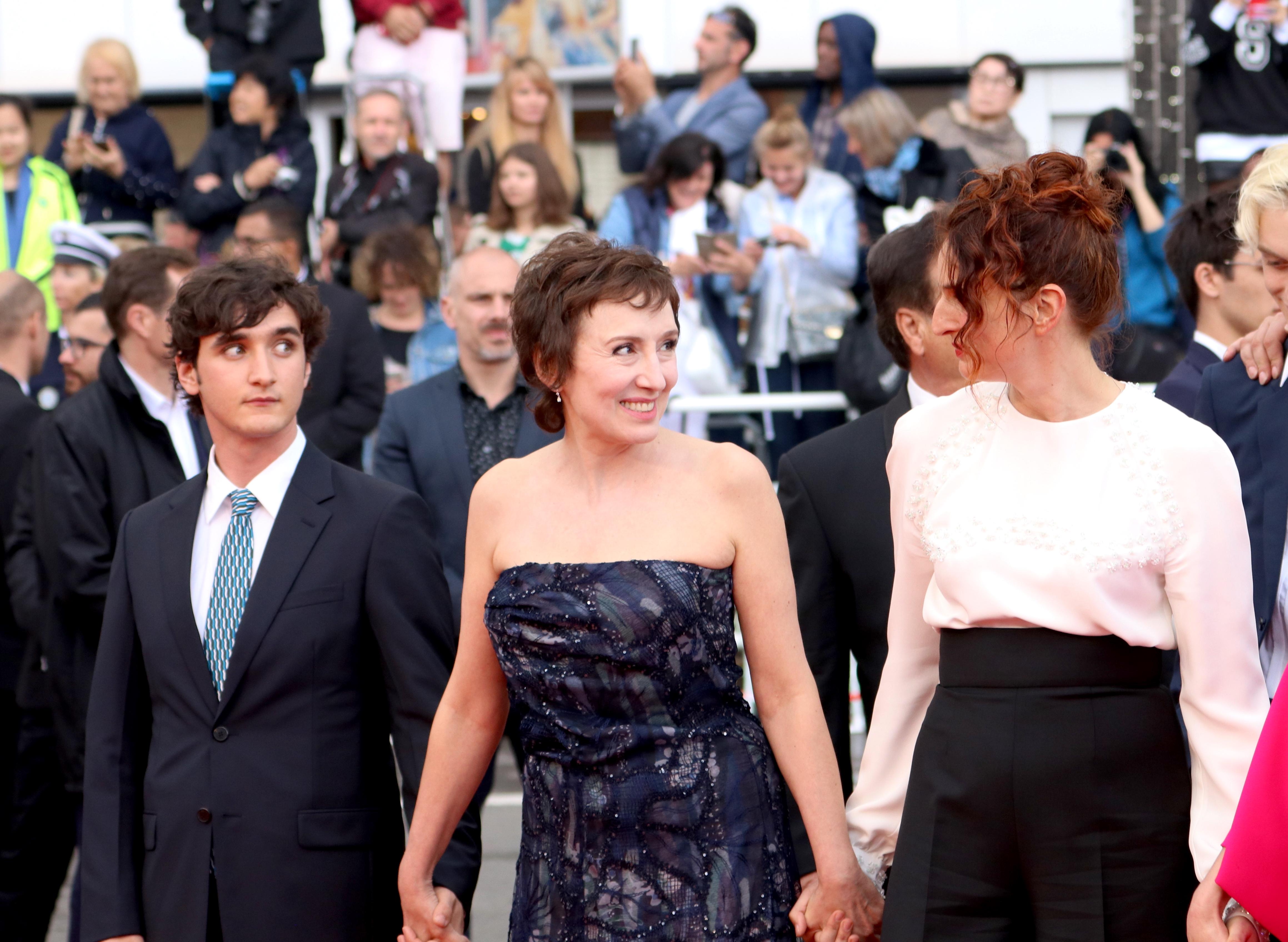 Cannes 2018: uno scatto di Nicoletta Braschi e Alice Rohrwacher sul red carpet di Lazzaro Felice