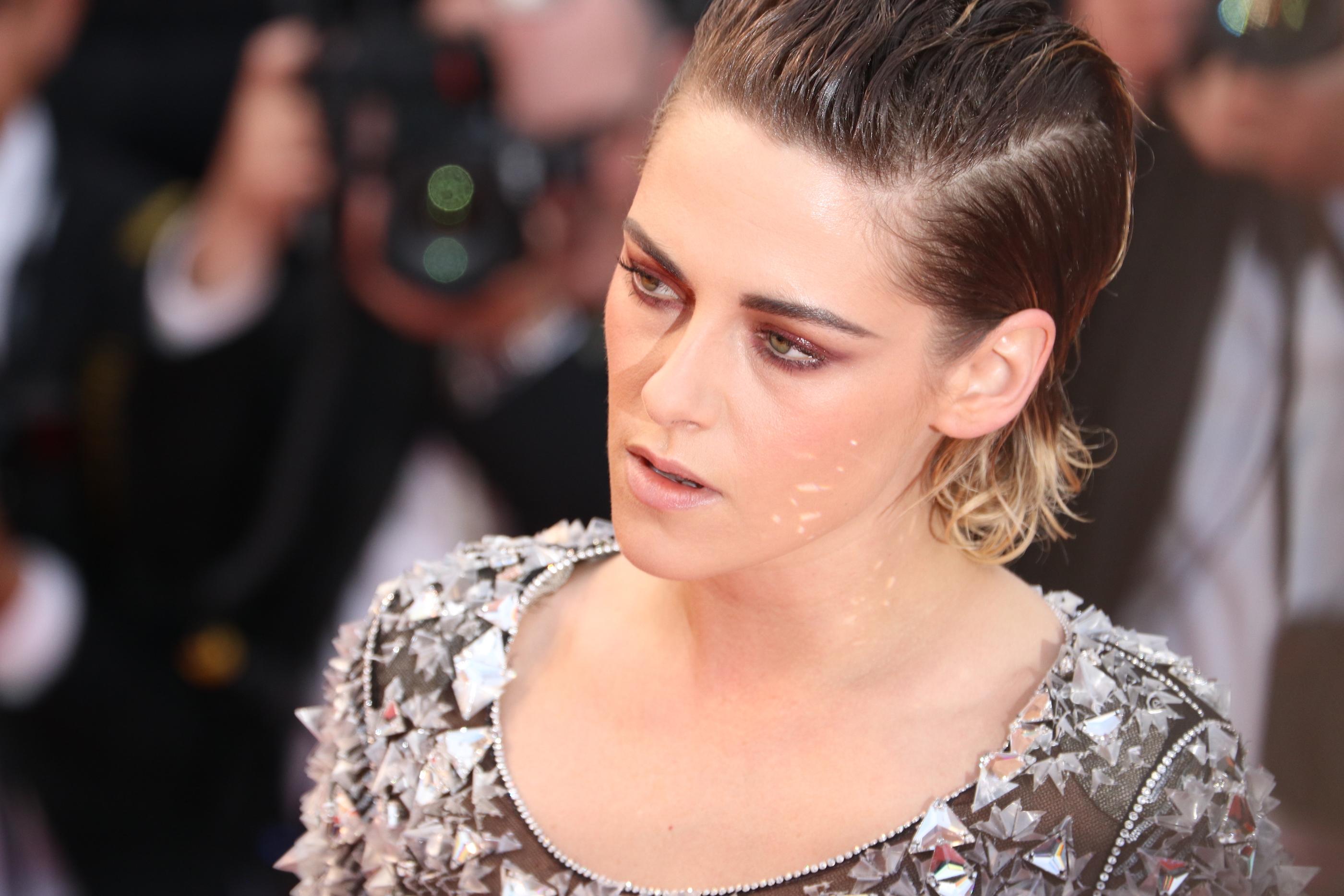 Cannes 2018: un primo piano di Kristen Stewart sul red carpet di Blackkklansman