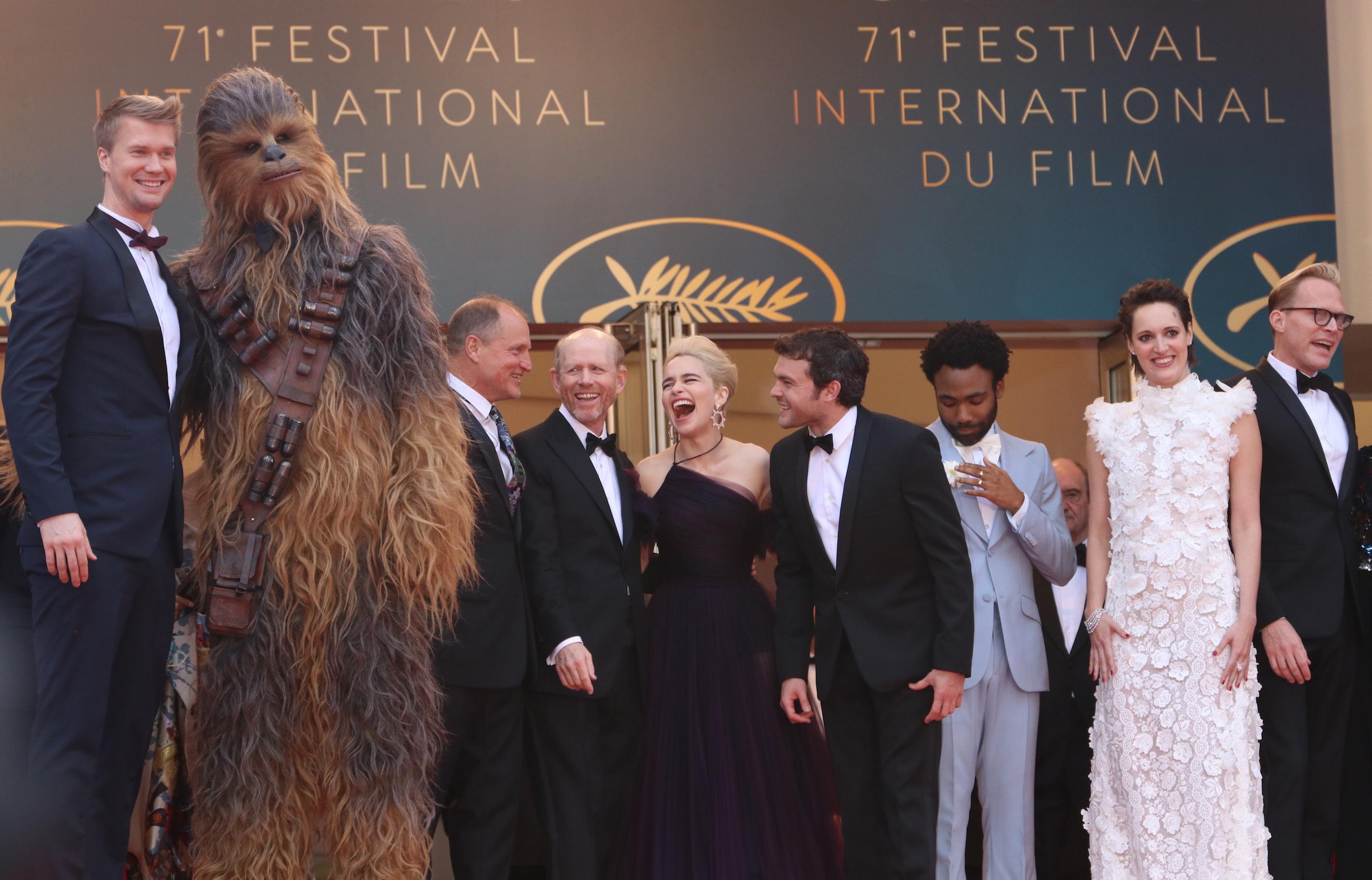 Cannes 2018: Il cast in cima alle scali del red carpet di Solo: A Star Wars Story