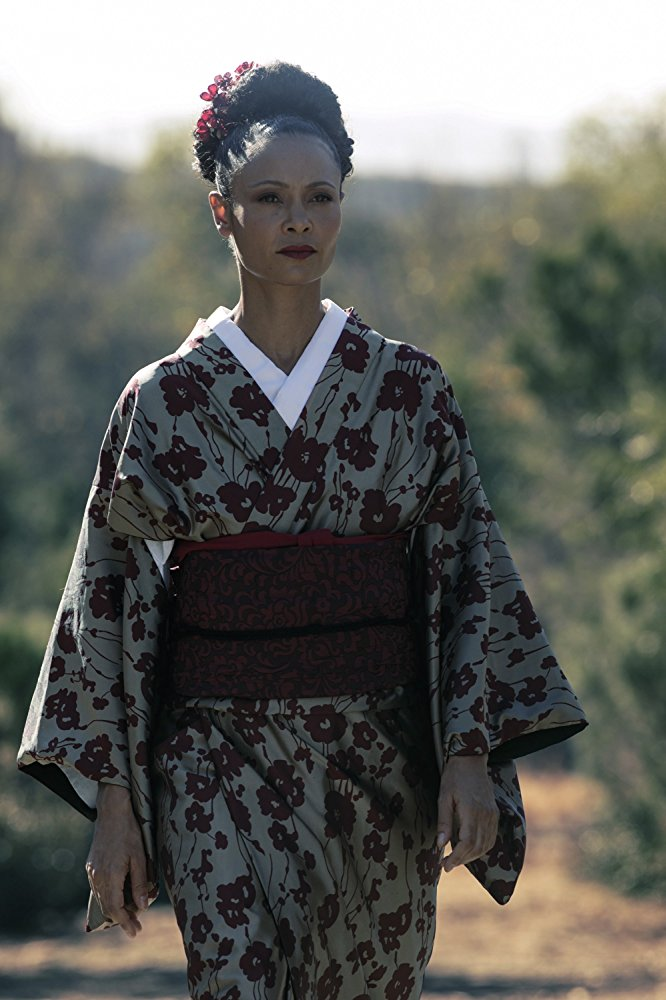 Westworld: Thandie Newton in una scena dell'episodio Akane No Mai