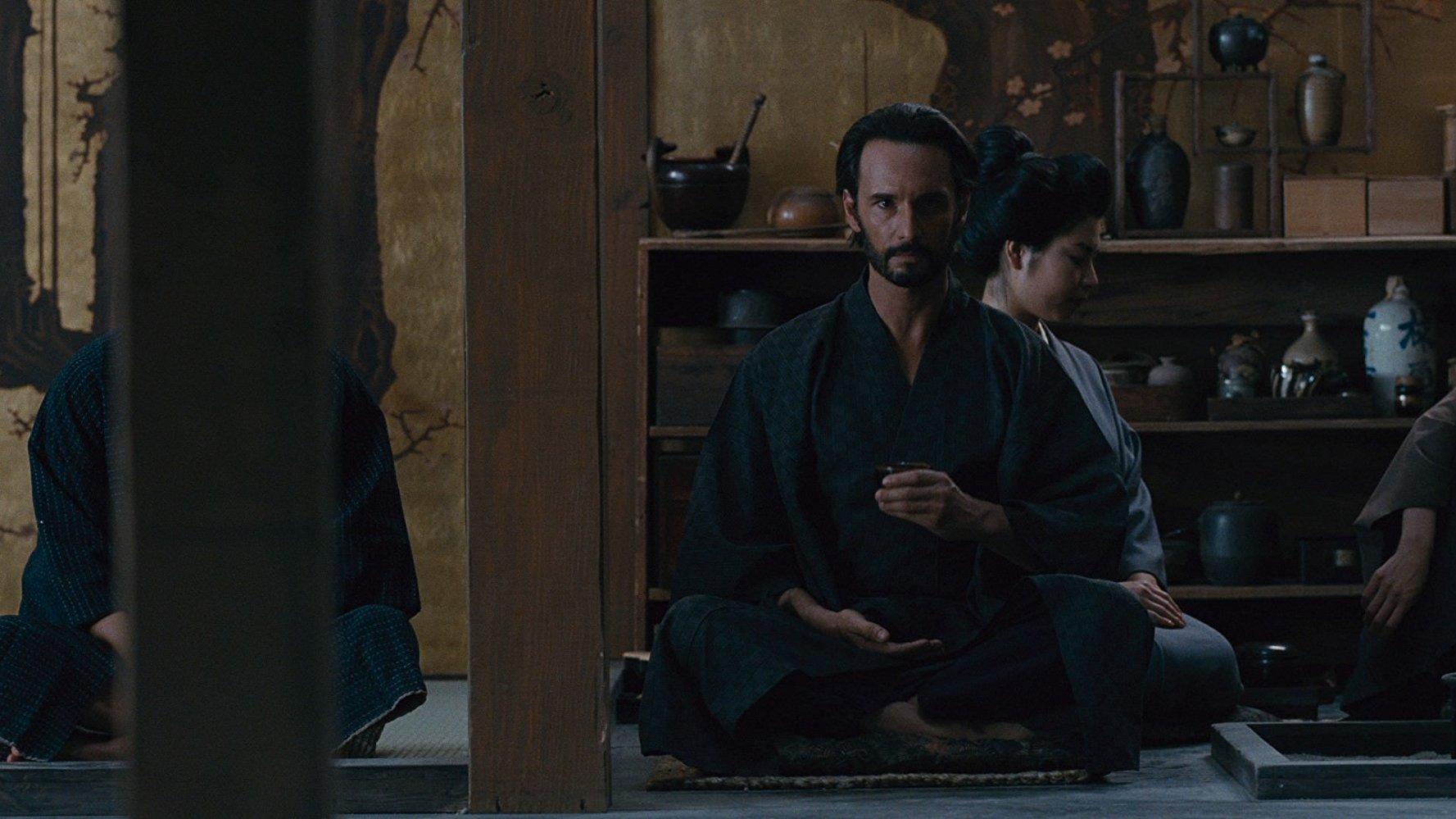 Westworld:  Rodrigo Santoro nell'episodio Akane No Mai