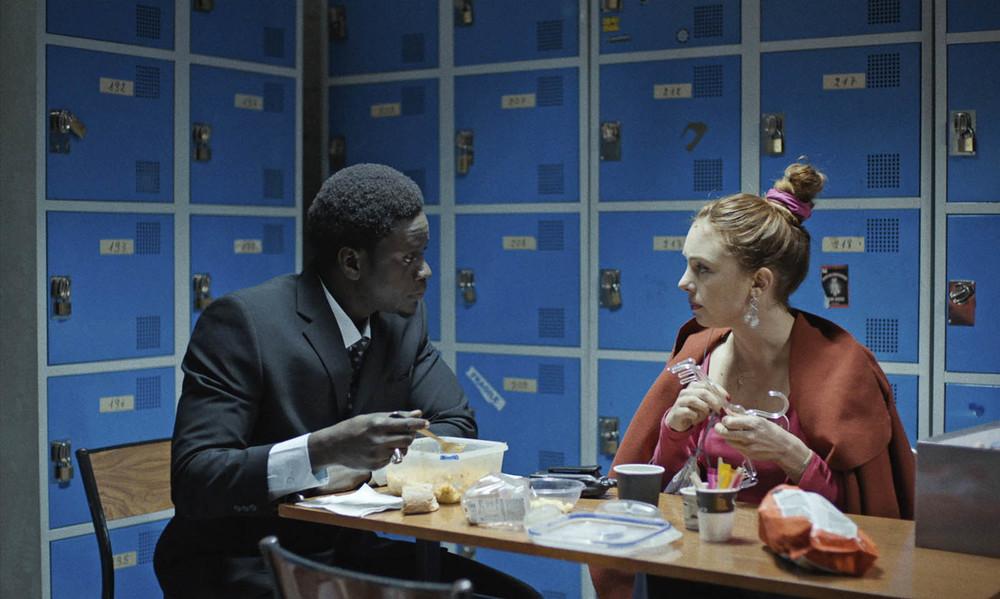 Montparnasse femminile singolare: Laetitia Dosch e Souleymane Seye Ndiaye in una scena del film