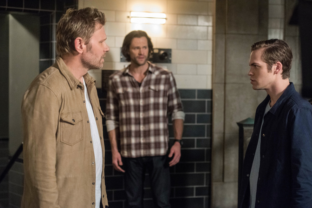 Supernatural: Mark Pellegrino, Alexander Calvert e Jared Padalecki nell'episodio Let the Good Times Roll
