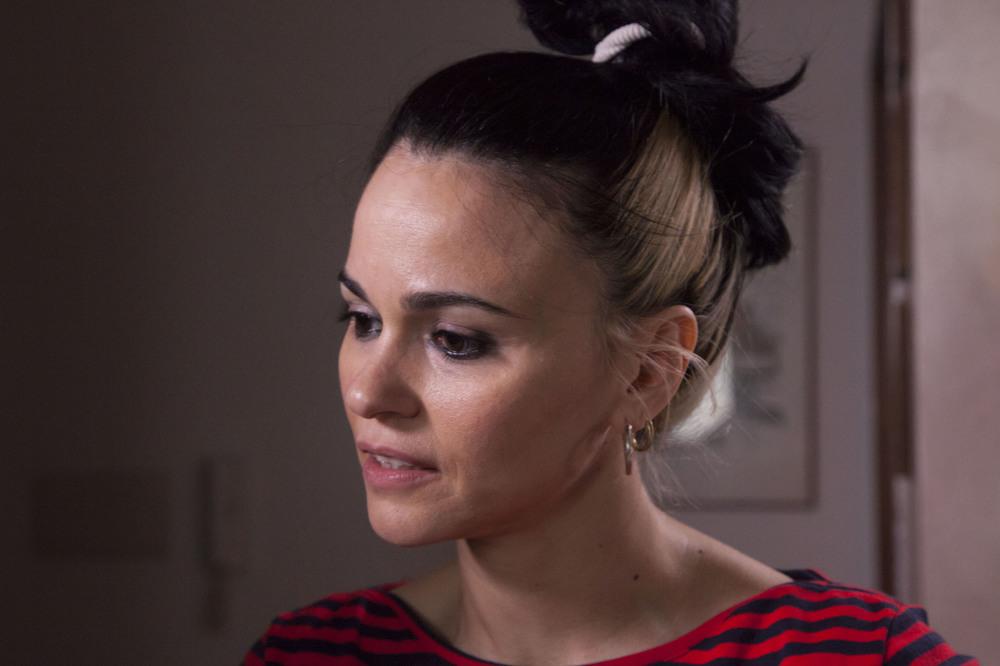 Rabbia furiosa - Er Canaro: Romina Mondello in una scena del film