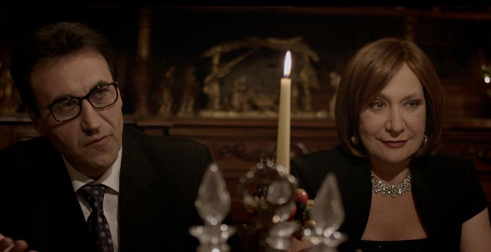Al massimo ribasso: Rosario Errico e Monica Scattini in una scena del film
