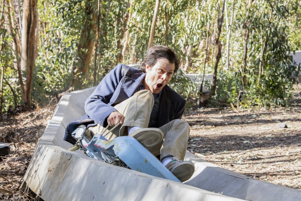 Action Point: Johnny Knoxville in un momento del film