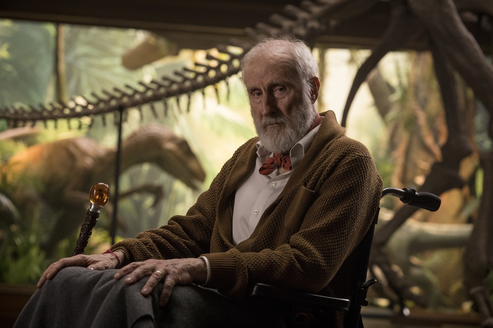 Jurassic World - Il regno distrutto: James Cromwell in una scena del film
