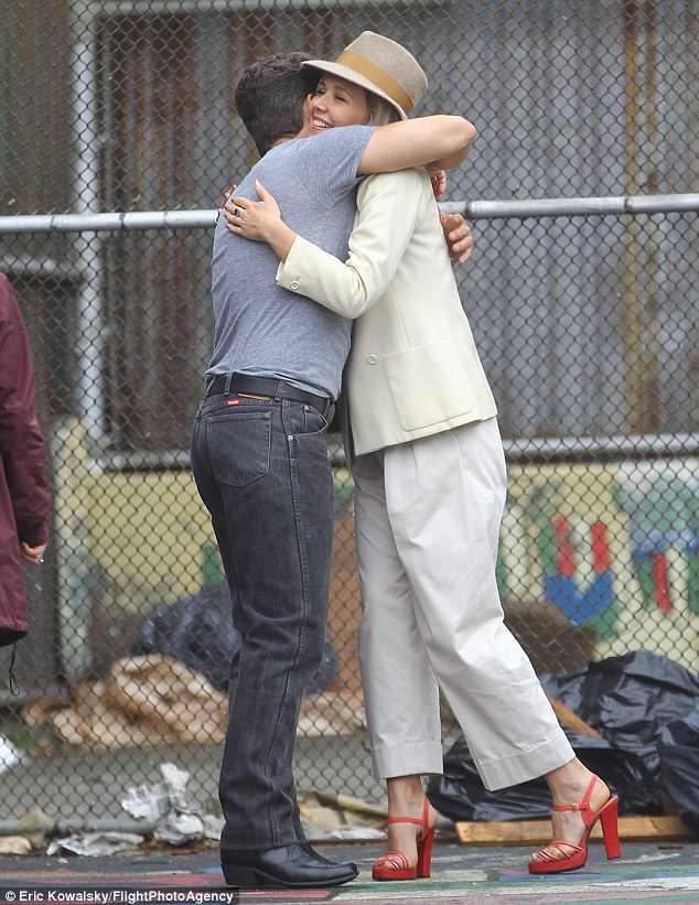 The Deuce: abbraccio sul set tra Maggie Gyllenhaal e James Franco