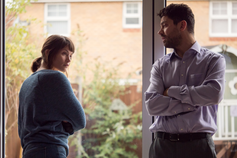 The Escape: Gemma Arterton e Dominic Cooper in un momento del film