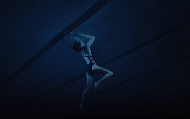 Thelma: Eili Harboe in una scena del film