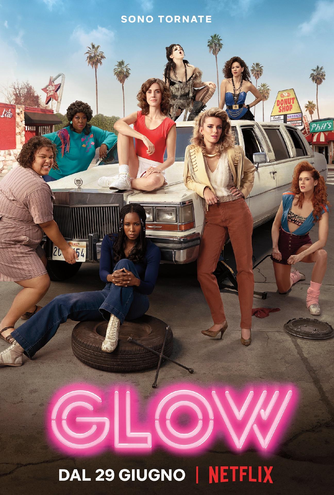 GLOW: il poster della seconda stagione