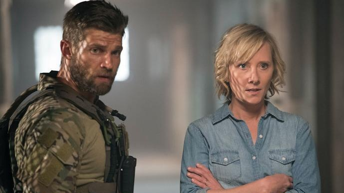 The Brave: Mike Vogel e Anne Heche in una foto della serie