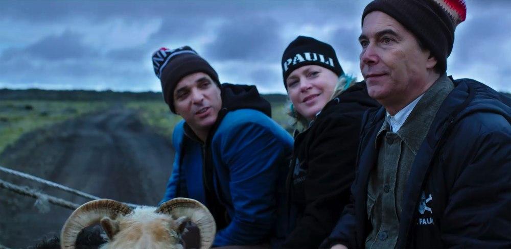 Due piccoli italiani: Francesco Colella, Paolo Sassanelli e Rian Gerritsen in un momento del film