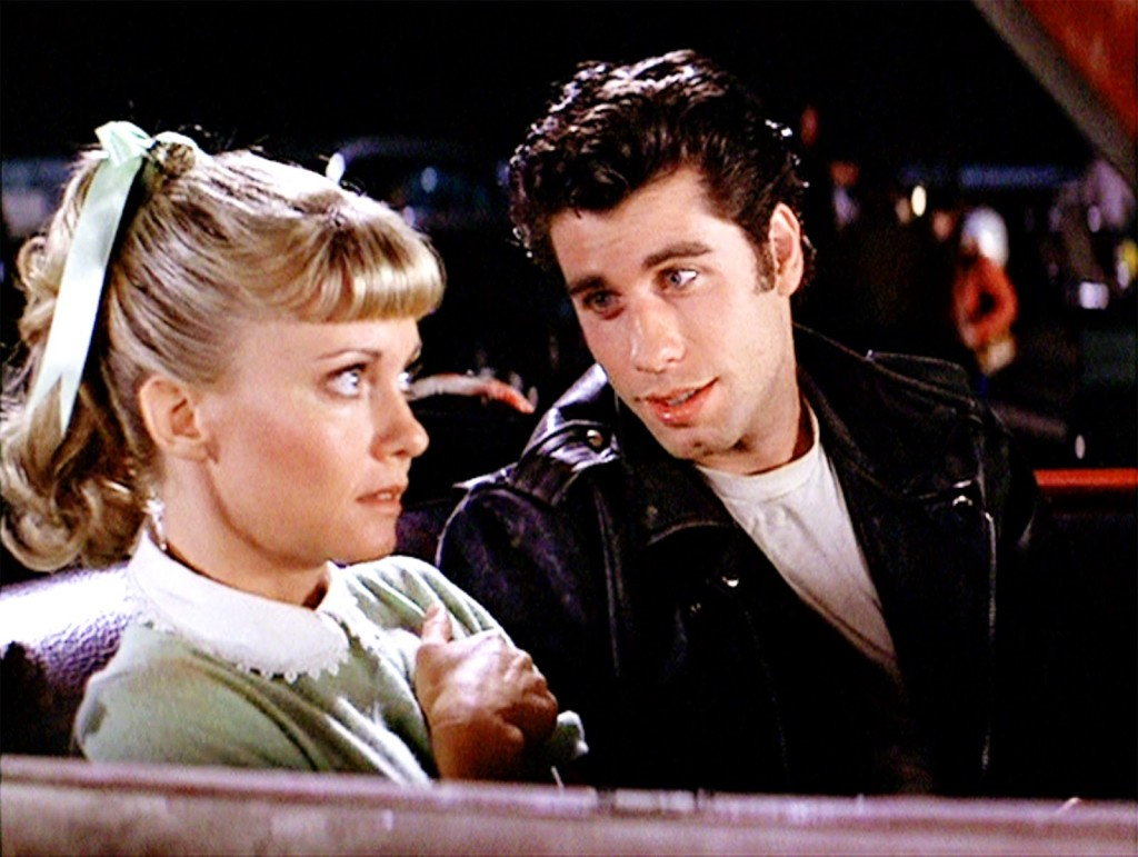 Grease: Olivia Newton-John e John Travolta in un momento del film
