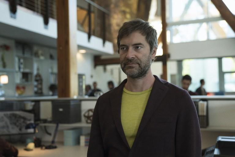 Goliath: Mark Duplass in una foto della seconda stagione