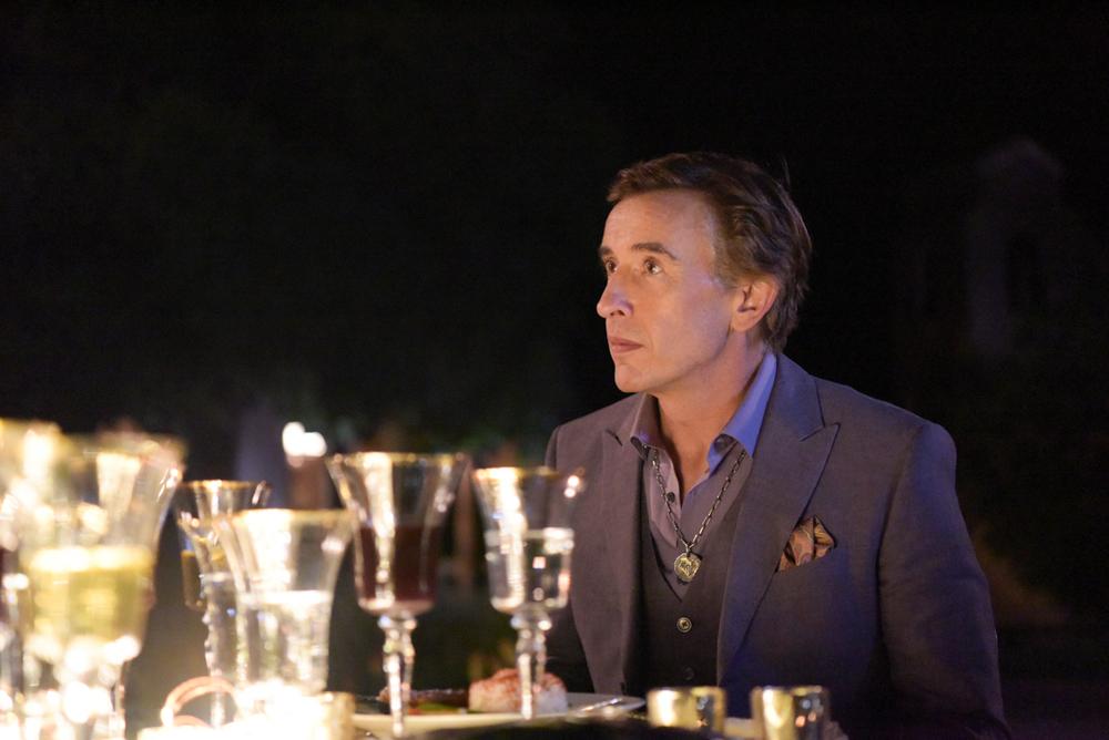 A Modern Family: Steve Coogan in una scena del film