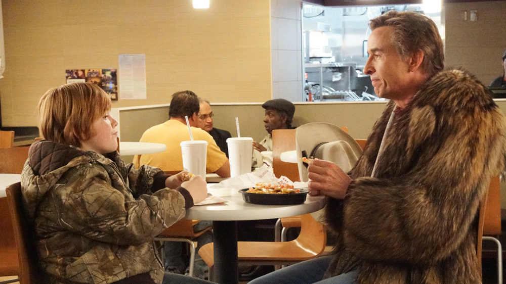 A Modern Family: Steve Coogan e Jack Gore in una scena del film