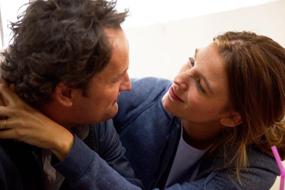 Chiudi gli occhi: Blake Lively e Jason Clarke in un momento del film